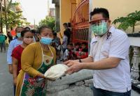 DPP Perindo Bagikan Bansos untuk Warga Kampung Bahari Tanjung Priok yang Terdampak Covid-19