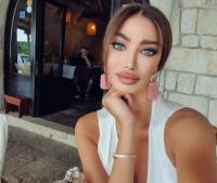 5 Wanita Seksi yang Ditaklukkan Neymar Jr, Nomor 1 Hobi Pakai Bikini