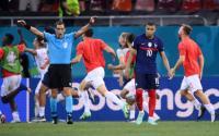 Demi Kylian Mbappe, Real Madrid Jual Raphael Varane ke Manchester United