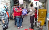Terdampak PPKM Level 4, Buruh Pelabuhan Sunda Kelapa Dapat Bansos