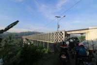 Jembatan Cirahong Buatan Belanda Kembali Difungsikan Setelah Ditutup Satu Bulan