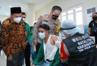 Polda NTB Gelar 1.000 Vaksinasi Merdeka untuk Mahasiswa