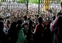 Kerumunan Berujung Ricuh Terjadi Saat Vaksin Massal di Polrestabes Medan