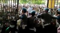 Vaksinasi Massal Presisi Polri di Medan Ricuh, Warga Sampai Pingsan