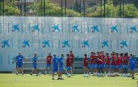 Tak Jadi Pilihan di Laga Pramusim, Koeman Isyaratkan Dua Pemain Ini untuk Tinggalkan Barcelona