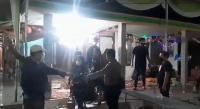 Petugas Bubarkan Pernikahan Disertai Orkes di Sampang, Tuan Rumah hingga Biduan Didenda