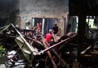Hujan dan Angin Kencang Robohkan Rumah Warga di Pangandaran Jawa Barat