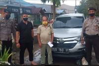 Debt Collector Rampas Mobil Sopir Taksi Online di Jalan, Polisi Turun Tangan
