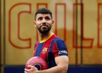 Tak Kunjung Debut dengan Barcelona, Sergio Aguero Diperkirakan Baru Tampil pada Oktober