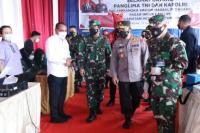 Panglima TNI dan Kapolri Tinjau Vaksinasi Covid-19, Pedagang Pasar Lauchi Kompak Ucapkan Terima Kasih