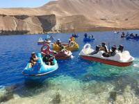 Viral,  Militan Taliban Naik Perahu Angsa Hebohkan Warganet