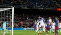 Barcelona vs Granada: Gol Telat Araujo Selamatkan Blaugrana dari Kekalahan