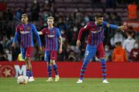 Gerard Pique Jadi Striker di Laga Barcelona vs Granada, Ronald Koeman Didesak Mundur