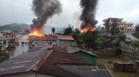 Pertempuran Tentara dan Pasukan Milisi, 8.000 Warga Melarikan Diri dan 20 Rumah Terbakar