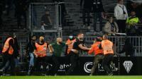 Liga Prancis Kembali Rusuh, Dua Suporter Terlibat Bentrok
