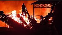 Diduga Korsleting Listrik, Kebakaran Hebat Melanda Pabrik Pupuk di Sukabumi