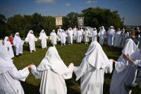 Unik, Sekelompok Pendeta 'Druid' Berkumpul Rayakan Datangnya Panen