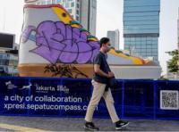 4 Aksi Vandalisme Jadi Sorotan, Tugu Sepatu Ikut Jadi Korban