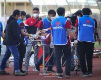 Gelandang Madura United Kevy Syahertian Dilarikan ke RS Usai Benturan dengan Bek PSS Sleman, Begini Kondisinya Sekarang