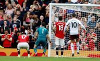 Solskjaer Murka Lihat Aksi Kiper Aston Villa yang Ganggu Tendangan Penalti Bruno Fernandes