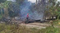 Ditinggal Pemilik ke Warung, Rumah Ludes Terbakar