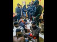 Rumahnya Dikepung, Pelaku Pembunuhan Posramil Kisor Berhasil Ditangkap