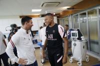 Lionel Messi Diminta Jadi Pelayan Kylian Mbappe