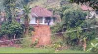 Diguyur Hujan, Permukiman Warga di Dusun Cisitu Gununghalu Terancam Longsor