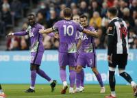 Aksi Heroik Bek Tottenham Hotspur, Nyawa Fans Newcastle United Terselamatkan