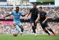 Guardiola Beberkan Alasan Beri Peran Berbeda untuk Raheem Sterling
