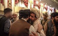 Pemimpin Taliban yang Diburu AS Puji Pelaku Bom Bunuh Diri