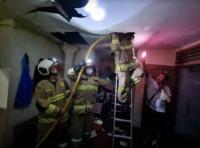 Warung di Kebon Pala Jaktim Kebakaran, Pemilik Terluka Tersambar Api