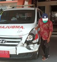 Ambulans Pembawa Vaksin Covid-19 Terlibat Kecelakaan Beruntun