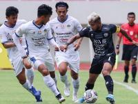 PSG Pati Kalah dari PSIM Yogyakarta, Aksi Zulham Zamrun Pukul Lapangan hingga Tendang Gawang Jadi Sorotan