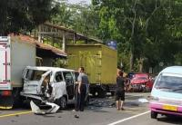 Gegara Rem Blong, Truk Tabrak Sejumlah Kendaraan hingga Ringsek