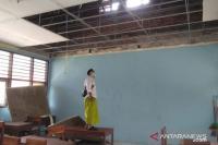 Gempa M5,3 Malang, Atap Ruang Kelas SMPN 1 Pasrujambe Lumajang Rusak