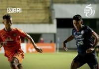 Muhammad Rafli Bawa Arema FC Unggul Atas Persiraja Banda Aceh di Babak Pertama