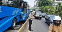 Korban Kecelakaan Bus TransJakarta Alami Trauma Usai Terpental Keluar