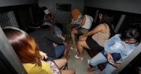 Terjaring Yustisi, Belasan Wanita Pemandu Karaoke Dipulangkan ke Kampung Halaman