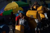 Tuntut PM Mundur, Geng Kriminal Haiti Blokade Pelabuhan dan Sebabkan Kelangkaan BBM