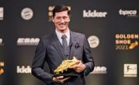 Bocor! Robert Lewandowski Menangkan Trofi Ballon dOr 2021, Kalahkan Lionel Messi