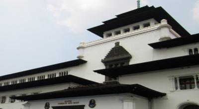 Yuks, Intip Bangunan Fenomenal Bandung