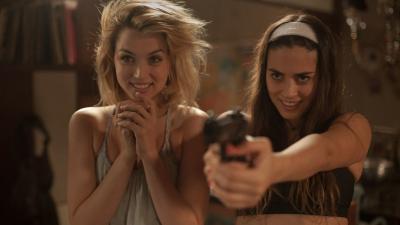 Sinopsis Film Knock Knock, Keanu Reeves Dijebak Dua Gadis Muda