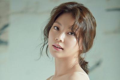 Gong Seung Yeon Pertimbangkan Bintangi Film Handsome Guys