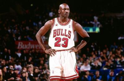 Michael Jordan Bakal Lelang Jersey Perdananya sebagai Pebasket Profesional