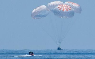 Gunakan SpaceX Crew Dragon, Astronot NASA Kembali ke Bumi
