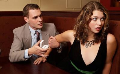 4 Alasan Perempuan Takut Menjalin Hubungan Cinta, Apa Saja?