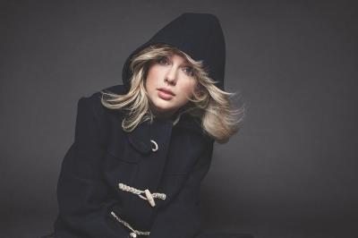 Ternyata, Taylor Swift Garap 'Folklore' Hanya Menggunakan Ponsel