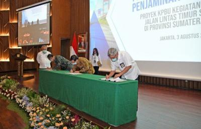 Teken KPBU Lintas Timur Sumatera, Menteri Basuki: Ini Jadi Poros Logistik