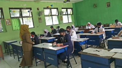4 Sekolah di Kota Bekasi Gelar KBM Tatap Muka